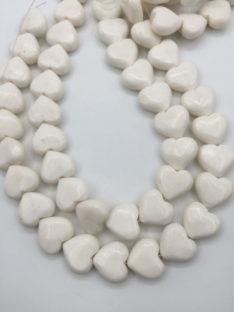 Koral beli 18×20 mm srce